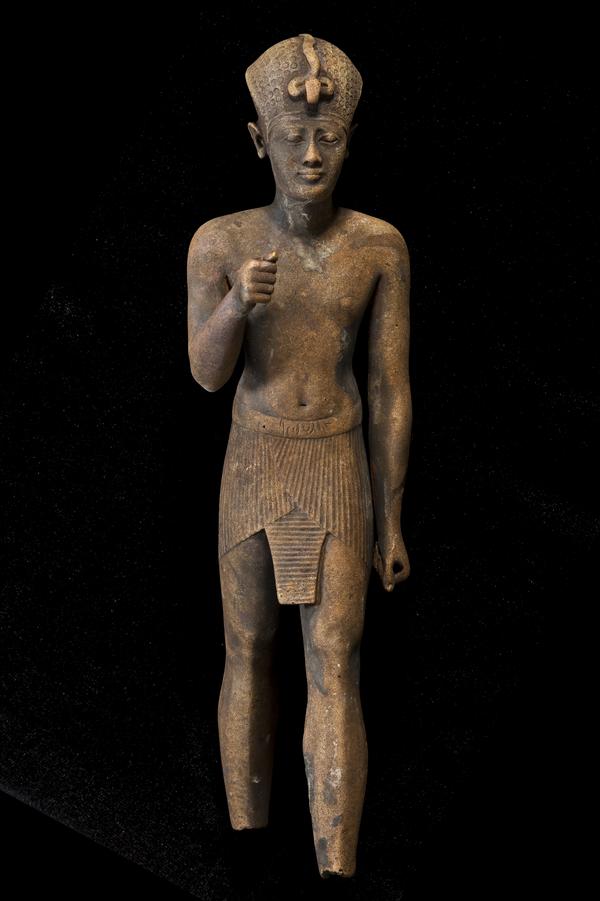 Standing pharaoh